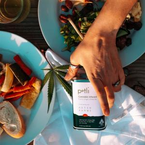 Pot girl summer is here thanks to @getpotli! Feel-good food that enhances your everyday rituals and routines.